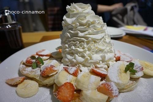 ストロベリー&バナナホイップパンケーキA.JPG